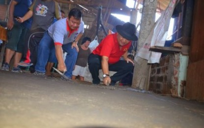 Wagub Pimpin Lantainisasi Rumah Warga