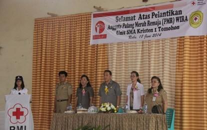Anggota PMR Unit SMA Kristen 1 Tomohon Dilantik