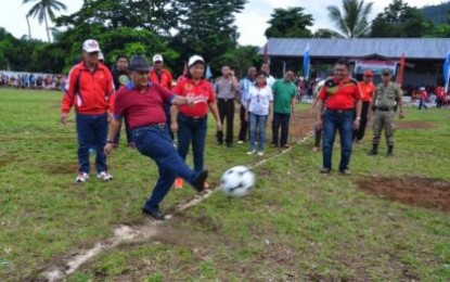Wagub Buka Pertandingan Sepak Bola HUT Sitaro