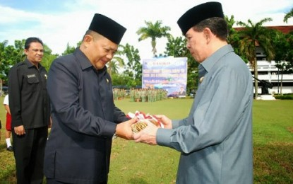 Wagub Terima Lancana Pembangunan dari Presiden