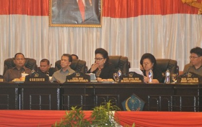 DPRD Sulut Bahas APBD Perubahan 2014