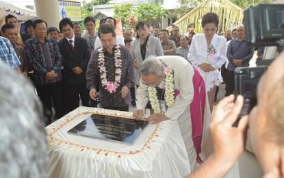 Gubernur Resmikan Gereja Katolik Pinabetengan