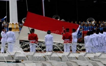 Putri Sangihe Ukir Sejarah Pembawa Baki Sang Saka di Istana