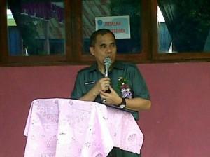 Bupati Minahasa Drs J W Sajow siap membuka pameran pembangunan Kabupaten Minahasa dalam rangka HUT ke 856.