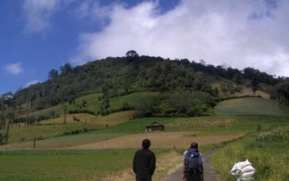 JWS Mendaki Gunung Mahawu
