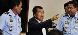 Wapres Jusuf Kalla mengerahkan kekuatan alat negara untuk menemukan Air Asia.