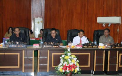 Rapat Paripurna penyampaian nota Keuangan APBD 2016