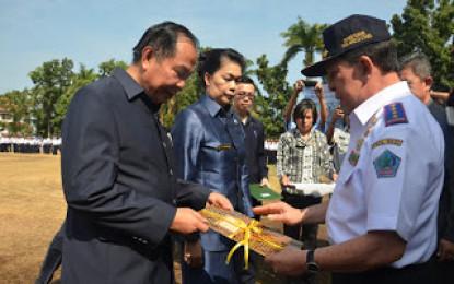 Diterima Lomban, Gubernur Serahkan Sertifikat Tanah RS Manembo-Nembo