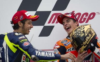 Keunggulan Rossi atas Lorenzo di Mata Marquez