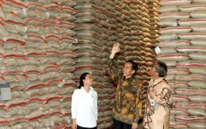 Hasil Survei : Ekonomi Jadi Masalah Utama Setahun Jokowi