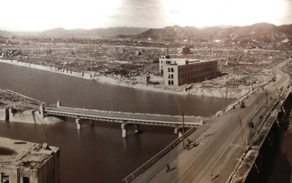 "Kota Nagasaki yang rata dengan tanah pasca-dijatuhi bom atom ""Fat Man"