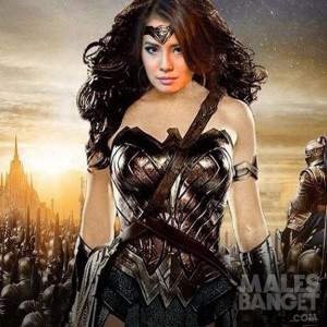 Tokoh superhero Wonder Woman tetap dinobatkan PBB sebagai duta kehormatan kendati diwarnai protes dan kritik. (Foto: YouTube)