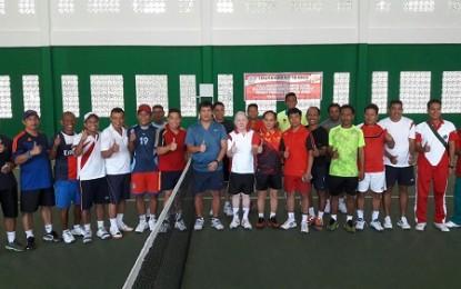 Wagub Kandouw Buka Pertandingan Tenis Baveti