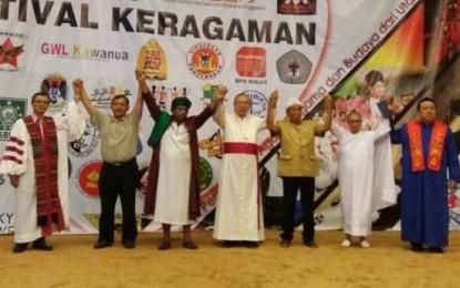 Selawat Nabi Digabung Lagu Natal Saat Festival Keragaman di Manado