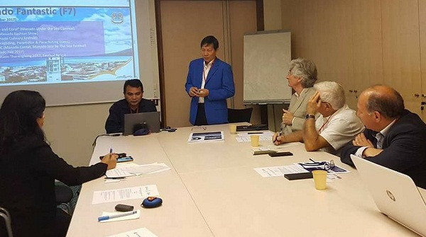Walikota Manado Dr Ir GSV Lumentut SH DEA bersama Kadis Pariwisata Hendrik Waroka saat presentasikan pesona Manado di Paris, Perancis