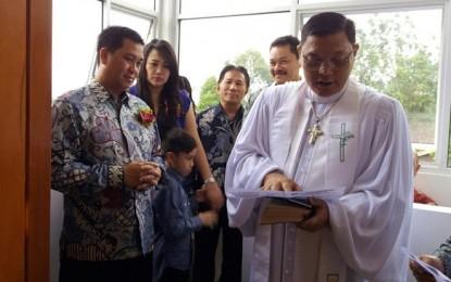 Ibadah di GMIM Solagratia, Wagub Kandouw Ajak Jemaat Jaga Persatuan