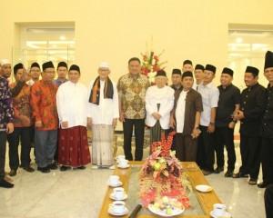 Kunjungi Sulut, Ketua Umum MUI Dengarkan Penjelasan Gubernur soal Kondisi Daerah
