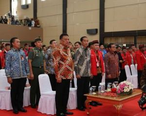 Disaksikan Olly, Jokowi Pukul Tetengkoren Buka Kongres GMNI Di Manado