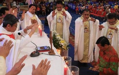 Para Pastor se-Kevikepan Manado Doakan Walikota GSV Lumentut