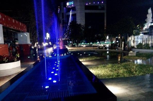 Dancing Fountain di TKB Pusat Kota 45 Manado