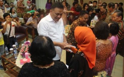 Bersama Ikatan Alumni SMAN 1 Manado, Gubernur Rayakan Pra Natal