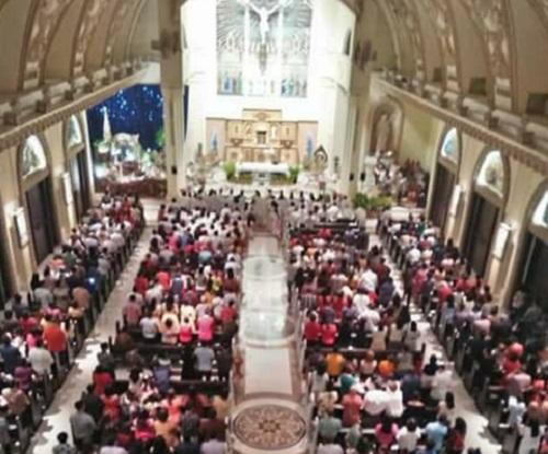 Misa Malam Natal di Gereja Katolik Paroki St Ignatius Manado