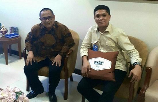 Staff Khusus Presiden RI, Ari Dwipayana dan Koordinator TFS, Taufik M Tumbelaka di Ruang Kerja Staff Khusus Presiden RI.