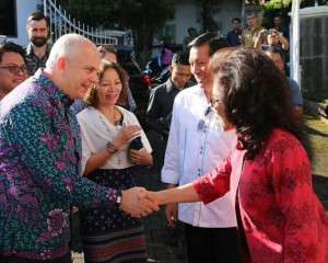 Walikota GSVL dan Ketua TP PKK Kota Manado Sambut Kunjungan Dubes AS di Rudis