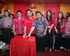 Wakil Walikota Bastian Hadiri Pisah Tahun Imlek di Klenteng Ban Hin Kiong