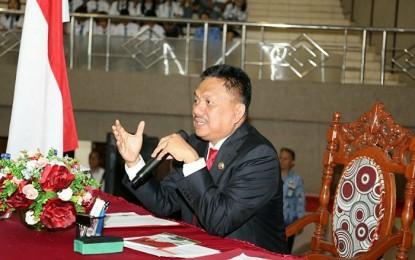 Ajari Puluhan Ribu Pelajar SMA/SMK Empat Pilar Kebangsaan, Meneer Olly Raih MURI