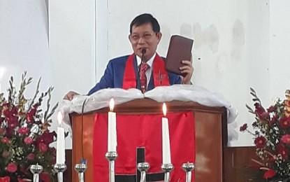 Pnt GSV Lumentut Jadi Khadim di Ibadah Syukur Jemaat Filadelfia Timu Remboken