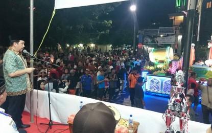Mor Bastian Terima Peserta Pawai Takbiran di Panggung Finis Boulevard