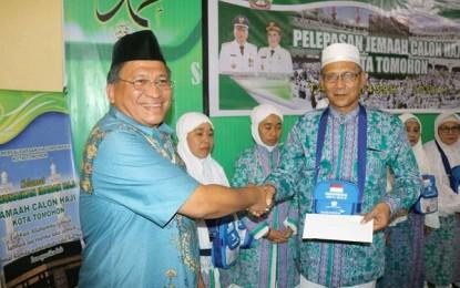 Pemkot Tomohon Lepas Calon Jemaah Haji