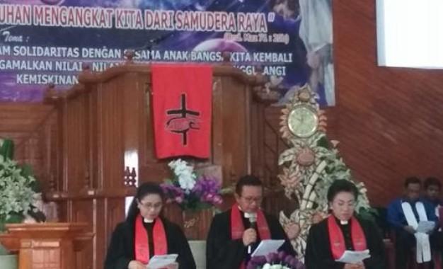 Talumepa Pimpin Ibadah Pelantikan  Ketua BPMJ Genesaret Pateten