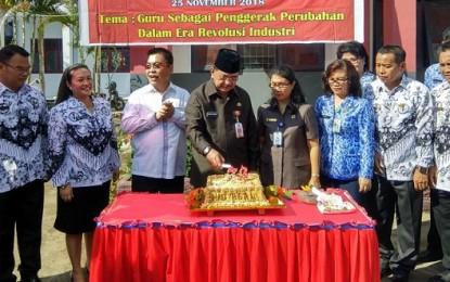 Edison Humiang Hadiri HUT ke 73 PGRI dan Hari Guru Nasional di Kota Bitung