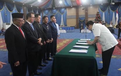 Wawali Mor Lantik Direksi PD Pasar, Direksi PDAM dan Badan Pengawas PD Pasar Kota Manado