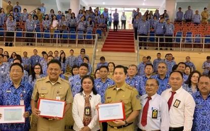 ODSK dan Sekprov Edwin Silangen Serahkan Laporan SPT Tahunan PPh OP 2018