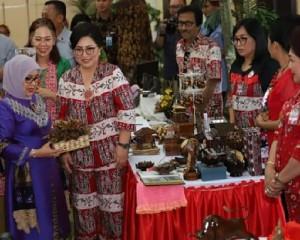 Mufidah Jusuf Kalla Dorong Dekranasda Sulut Terus Genjot Produk Berdaya Saing