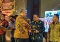 Walikota Manado GSV Lumentut Raih Penghargaan CREATIVE LEADER 2019