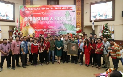 Angouw Ajak Sekretariat DPRD dan Forward Jadi Terang