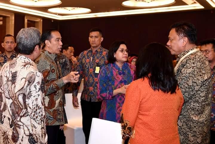 Gubernur Olly Dondokambey SE menemui Presiden Joko Widodo terkait rencana Sulut sebagai tuan rumah bila KTT G20 digelar di Indonesia