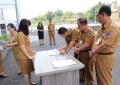 Pejabat Sekretariat DPRD Sulut Tanda Tangani Perjanjian Kinerja