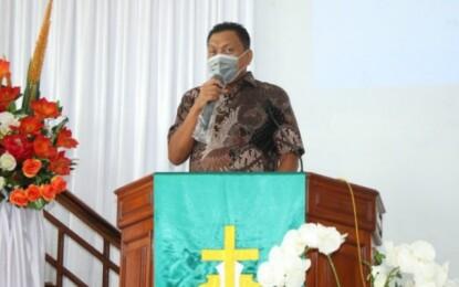 Rayakan HUT di Kala Pandemi, Gubernur Olly Ajak Jemaat GMIM Baithel Tanggari Syukuri Penyertaan Tuhan
