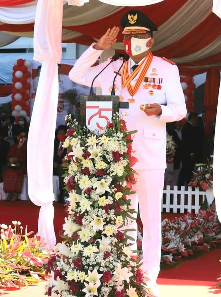 Gubernur Olly Dondokambey SE selaku Irup di HUT ke-75 RI, Senin (17/08/2020)