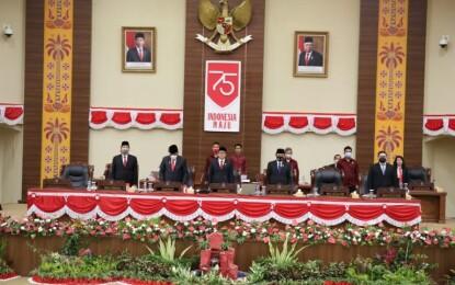 Di Rapat Paripurna DPRD Sulut, Gubernur Olly dan Wagub Kandouw Dengarkan Pidato Kenegaraan Presiden
