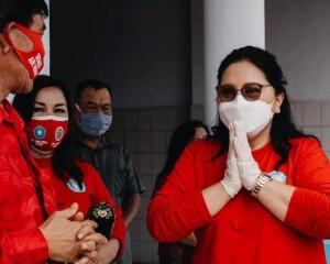 Ibu Rita Kembali Gencarkan Gebrak Masker di Manado-Minut