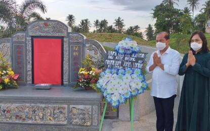 Jelang HUT Ke-30 Kota Bitung, MJL Ziarah di Makam Mantan Wali Kota dan Wawali