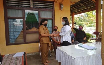 Dipimpin Camat Tumiwa_Lengkong Resmi Jabat Hukumtua Desa Koreng