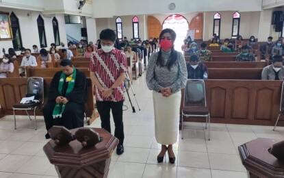 Penuhi Undangan Ibadah, AA Didoakan Pendeta dan Pelsus