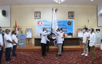 Pjs Gubernur Fatoni Lantik Pengurus MAPPILU PWI se-Provinsi Sulut